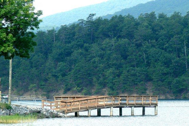 phoca_thumb_l_Carvins-Cove-Deck-View.JPG