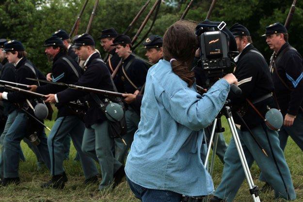 reenactors-camera