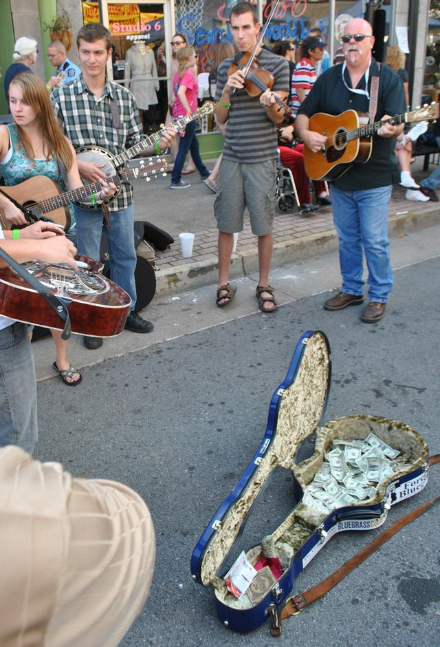 RHYTHM5-band-on-street.jpg