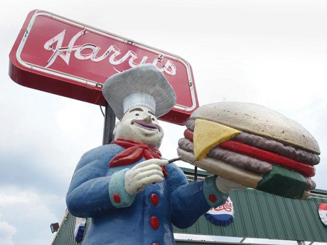 Piggy's and Harry's Exterior
