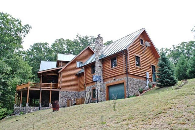 Unique log home for sale in west virginia for Unique log homes