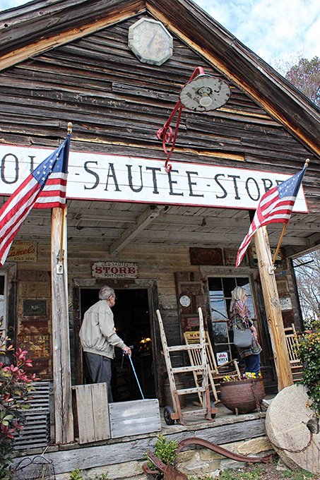 Seeing Southern Step Back In Time At The Old Sautee Store Blueridgecountry Com