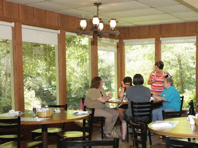 Peter's Pancakes and Waffles Dining Room