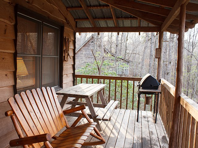 Cavender-Creek-Cabins-5-porch-credit-Grizzle-Photography.jpg