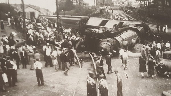 Train-derailment.jpg