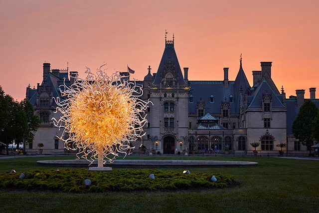 Chihuly-evenings-at-Biltmore-.jpg