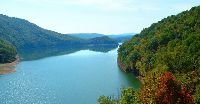 photo-lake-moomaw-855x444.jpg