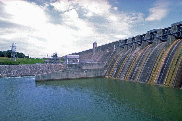 Holston-River---Cherokee-Dam---photo-courtesy-of-TVA.jpg