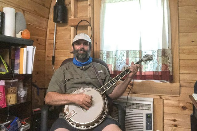 banjo-picker.jpg