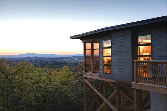 Iris-Inn-cabin-by-Jumping-Rocks-Photography.jpg
