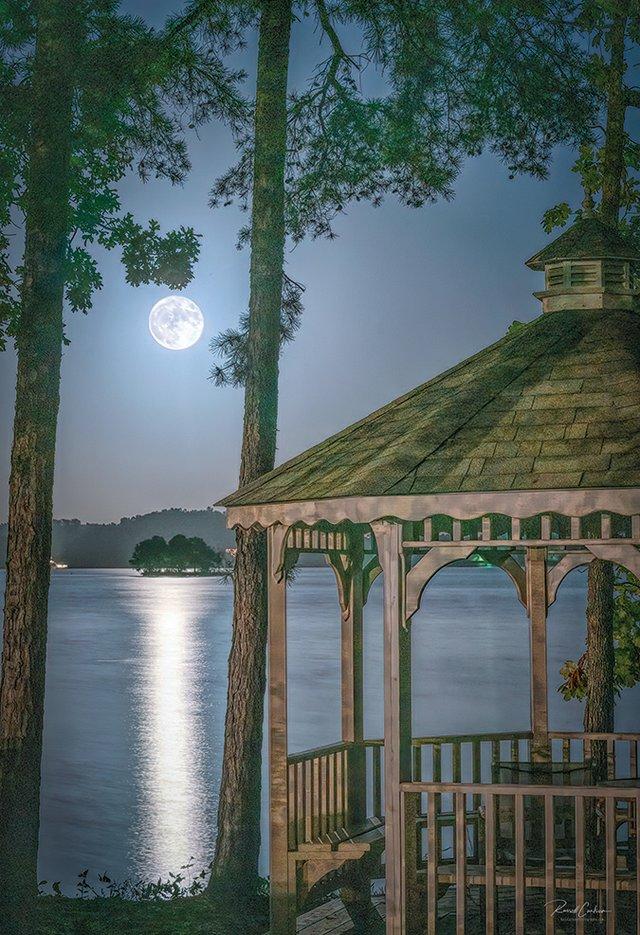 Moon-Rise-Over-Lake-Keowee_Gazebo-83C1.jpg