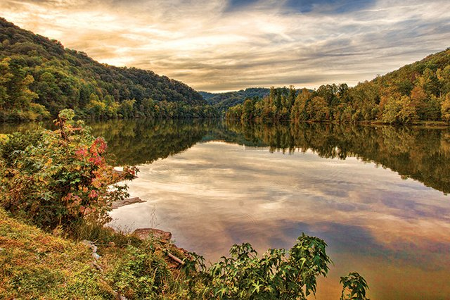 Jenny-Wiley-Dewey-Lake_LaurindaBowling-KY.jpg