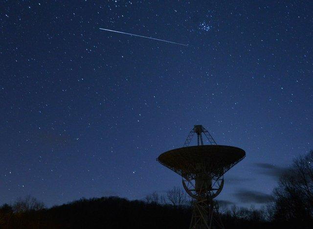 Draco-Meteor-and-Pleiades photo.jpg